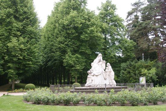 Monument af Caroline Mathilde i den franske have
