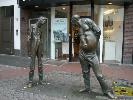 Billed af en bronze skulptur af Karl Henning Seeman
