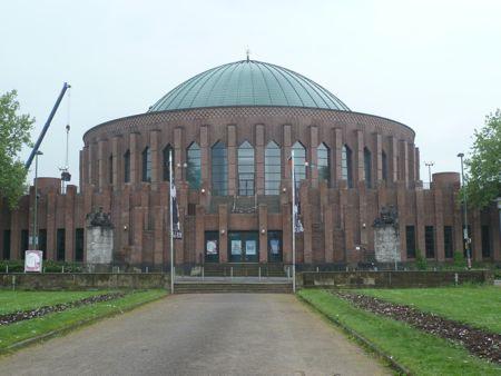 Billed af Tornhalle i Düsseldorf hvor symphoniker har hjemme