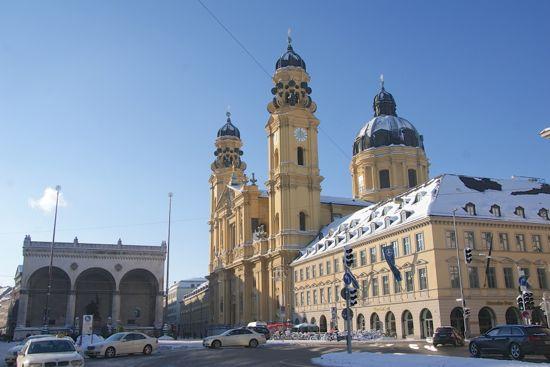Theatinerkirche i München