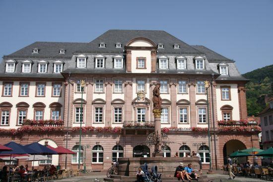 Rådhuset på Marktplatz i Heidelberg