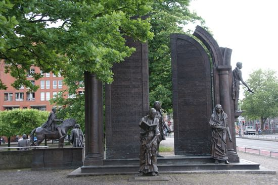 "Bronze skulptur ""Göttingen syv"""